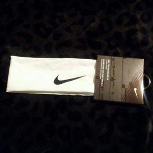 NWT Nike Fury Headband